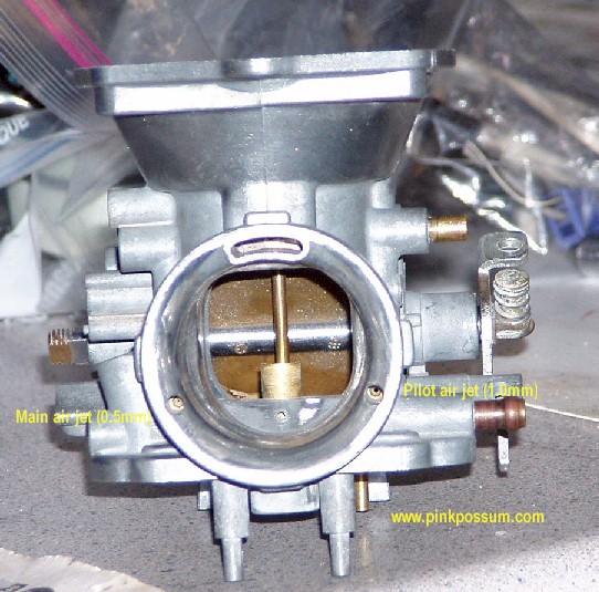 GT750 - Mikuni BS40 CV carbs